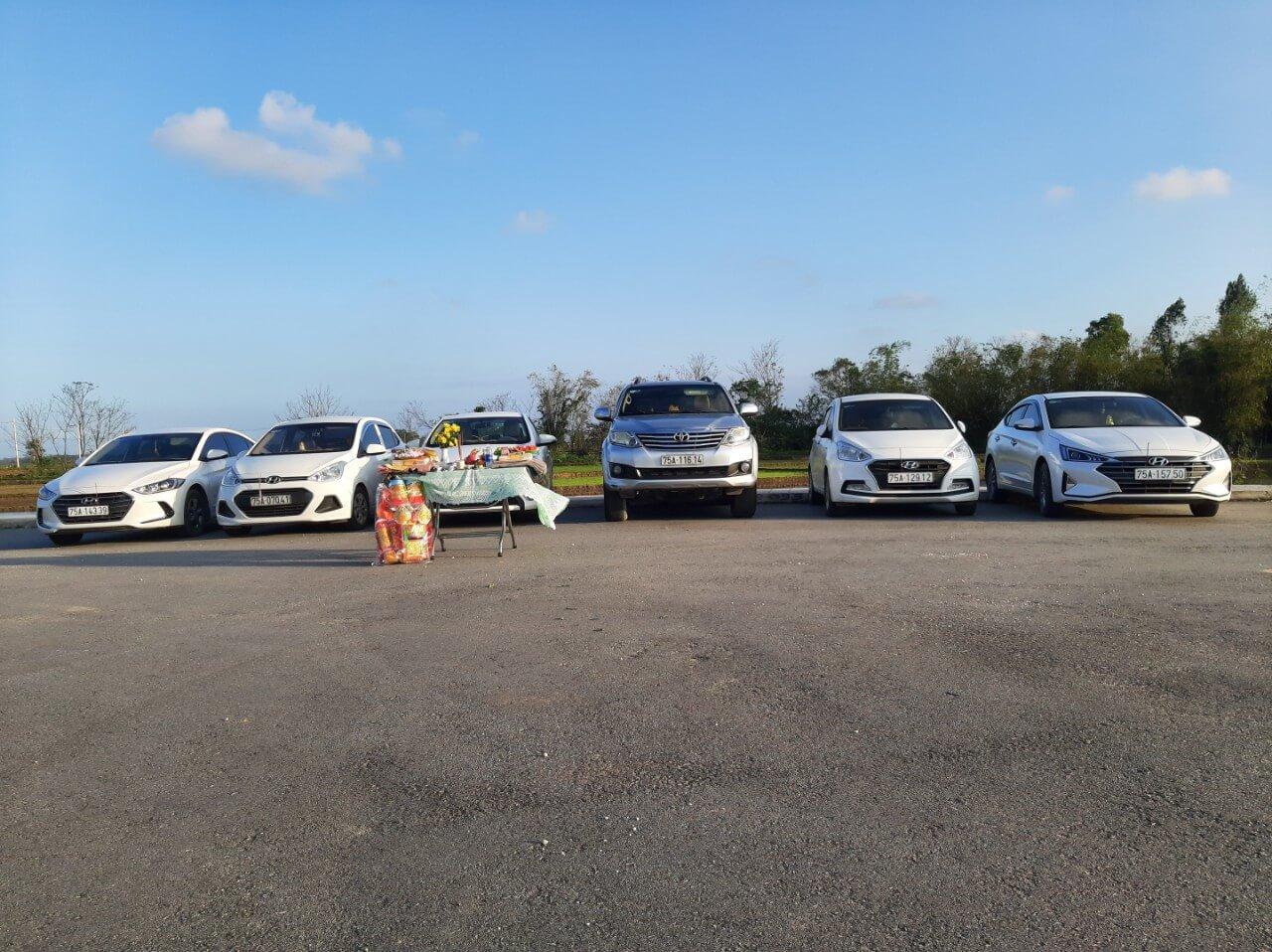 xe đưa đón sân bay Huế, xe đưa đón sân bay Phú Bài, cho thuê xe du lịch ở Huế, thuê xe du lịch ở Huế, thuê xe du lịch huế, thuê xe Huế