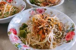 Những quán bún hến, cơm hến ngon và đông khách ở Huế