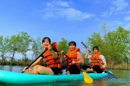 Đến Huế chèo SUP và bơi lội trên vùng phá Tam Giang